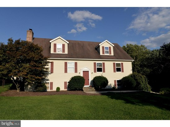 Single Family Residence, Traditional - ORWIGSBURG, PA (photo 2)