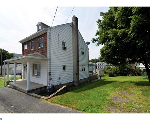 2.5-Story,Detached, Traditional - PORT CARBON, PA (photo 2)