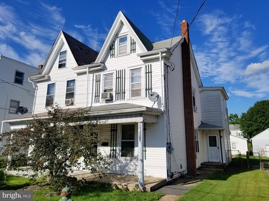 Twin/Semi-detached, Traditional - FRACKVILLE, PA
