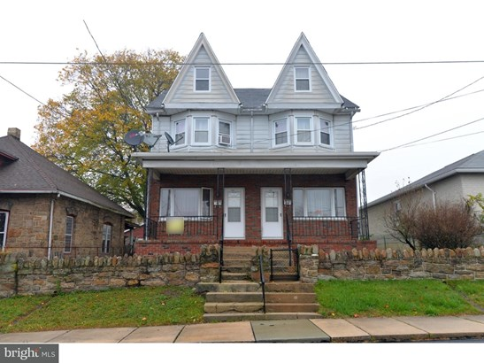 Townhouse, Traditional - FRACKVILLE, PA (photo 2)