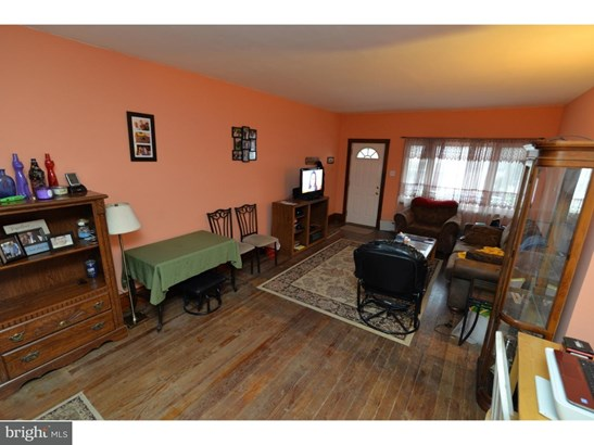 Twin/Semi-detached, Traditional - FRACKVILLE, PA (photo 4)
