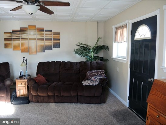 Single Family Residence, Traditional - FRACKVILLE, PA (photo 3)