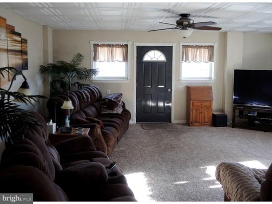 Single Family Residence, Traditional - FRACKVILLE, PA (photo 5)