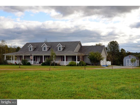 Single Family Residence, Traditional - NEW RINGGOLD, PA (photo 2)