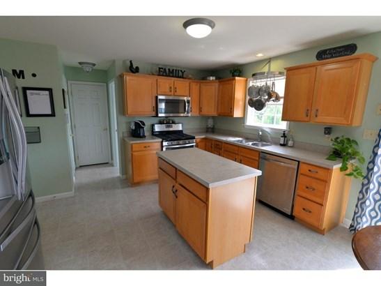 Single Family Residence, Colonial - BLANDON, PA (photo 5)