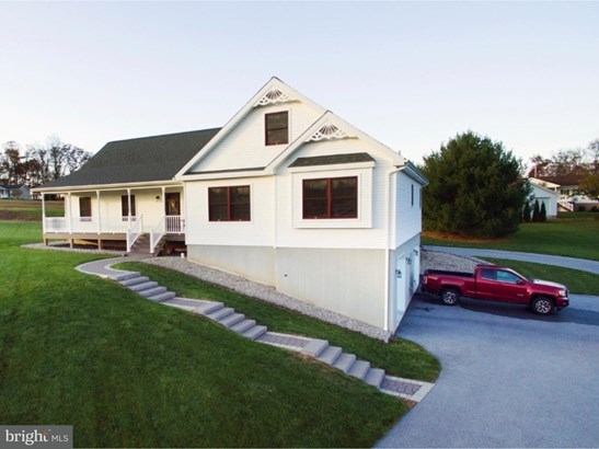 Single Family Residence, Traditional - AUBURN, PA (photo 1)