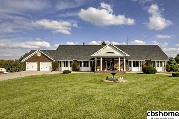 Detached Housing, Ranch - Omaha, NE (photo 2)