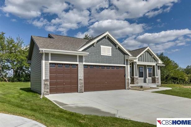 Detached Housing, Ranch - Bellevue, NE (photo 2)