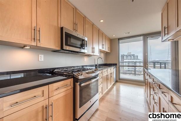 Attached Housing, Condo/Apartment Unit - Omaha, NE (photo 1)