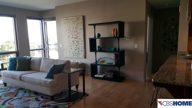 Attached Housing, Condo/Apartment Unit - Omaha, NE (photo 2)