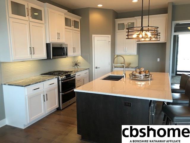 Detached Housing, Ranch - Papillion, NE (photo 4)