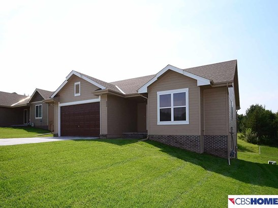 Detached Housing, Ranch - Louisville, NE (photo 2)