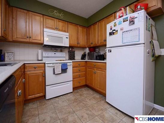Detached Housing, Split Entry - Bellevue, NE (photo 4)