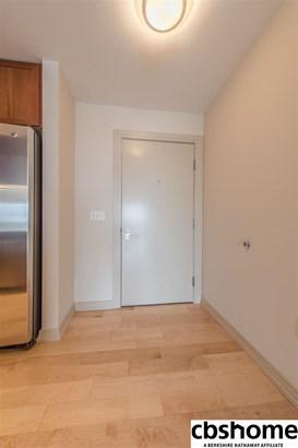 Attached Housing, Condo/Apartment Unit - Omaha, NE (photo 5)