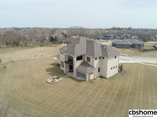 Detached Housing, 2 Story - Elkhorn, NE (photo 4)