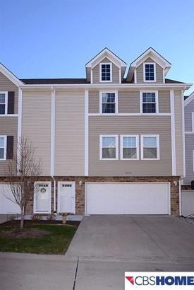 Attached Housing, 2.5 Story - Omaha, NE (photo 2)