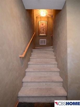 Attached Housing, 2.5 Story - Omaha, NE (photo 4)