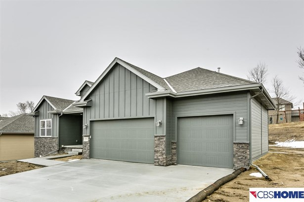 Detached Housing, Ranch - Bennington, NE (photo 2)