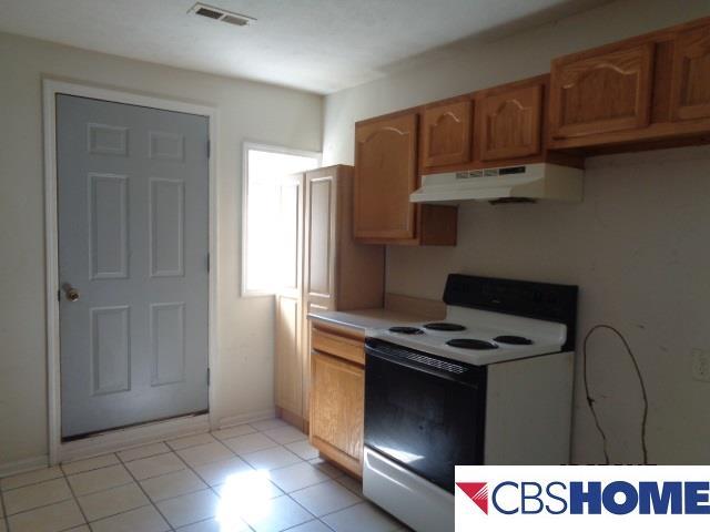 Detached Housing, 2 Story - Plattsmouth, NE (photo 4)