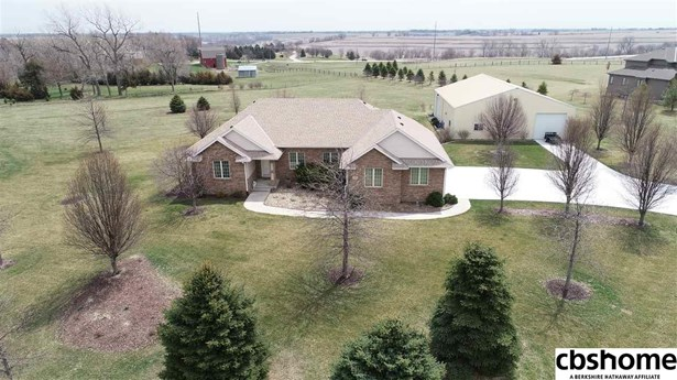 Detached Housing, Ranch - Elkhorn, NE (photo 1)