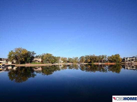 Detached Housing, Ranch - Springfield, NE (photo 2)