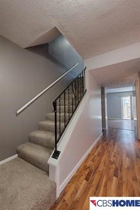 Attached Housing, 2 Story - Bellevue, NE (photo 4)