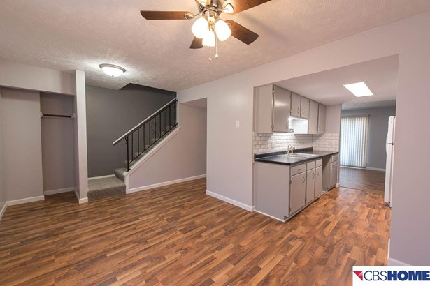 Attached Housing, 2 Story - Bellevue, NE (photo 5)