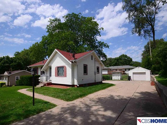 Detached Housing, Ranch - Council Bluffs, NE (photo 2)