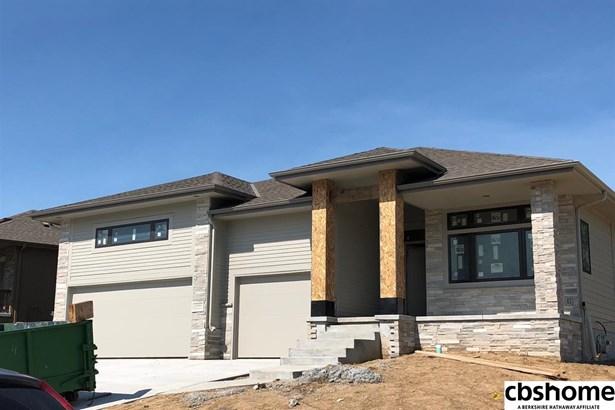 Detached Housing, Ranch - La Vista, NE (photo 1)