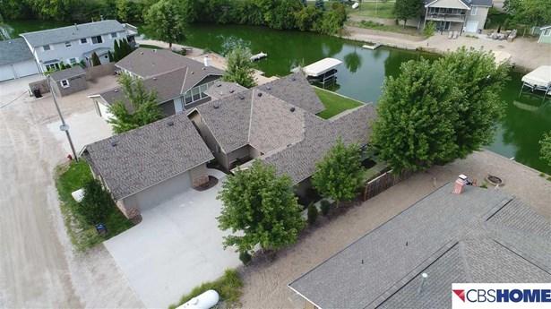 1.5 Story, Detached Housing - Fremont, NE (photo 4)