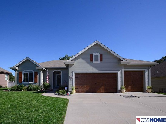 Detached Housing, Ranch - La Vista, NE (photo 1)