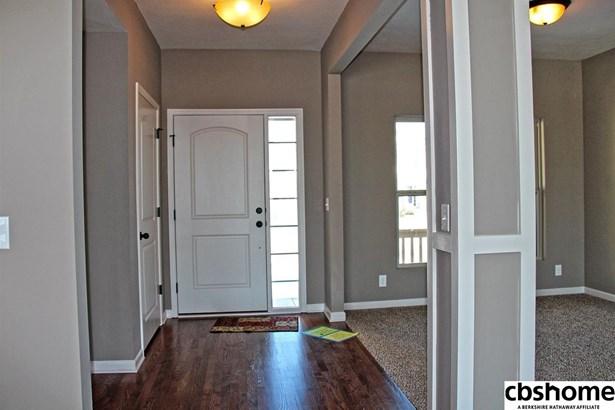 Detached Housing, 2 Story - Gretna, NE (photo 4)