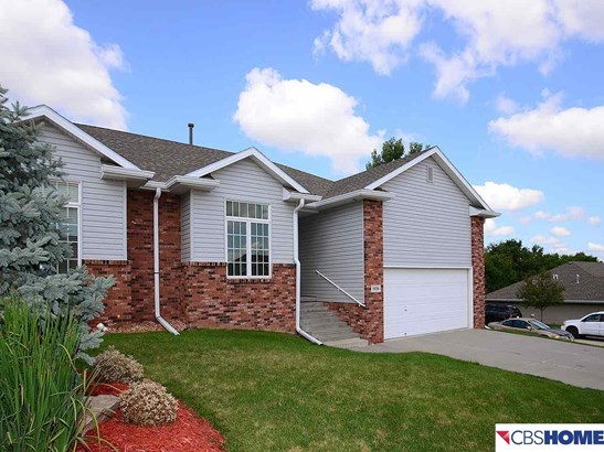 Attached Housing, Ranch - Omaha, NE (photo 2)