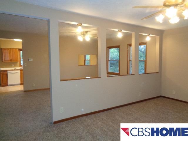 1.5 Story, Detached Housing - Plattsmouth, NE (photo 5)