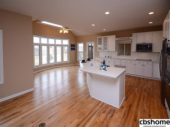 Detached Housing, 2 Story - Elkhorn, NE (photo 5)