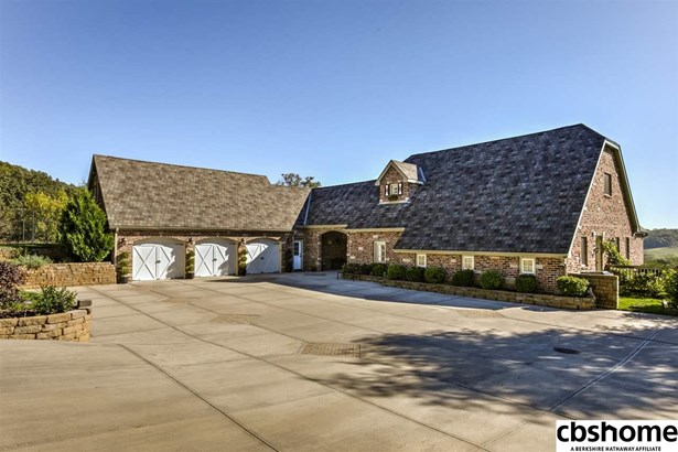 1.5 Story, Detached Housing - Fort Calhoun, NE (photo 2)