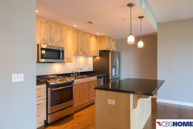 Attached Housing, Condo/Apartment Unit - Omaha, NE (photo 3)