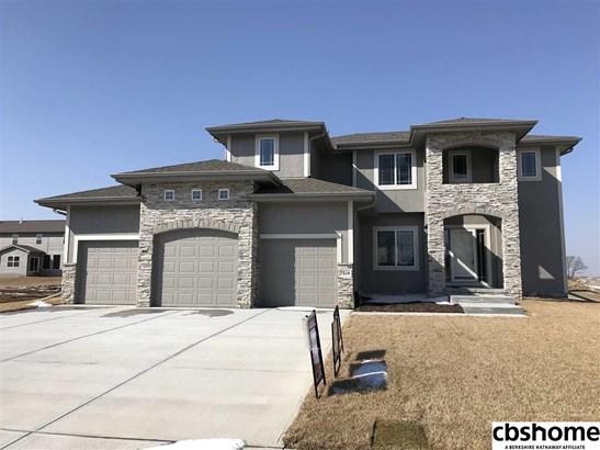 Detached Housing, 2 Story - Bennington, NE (photo 1)