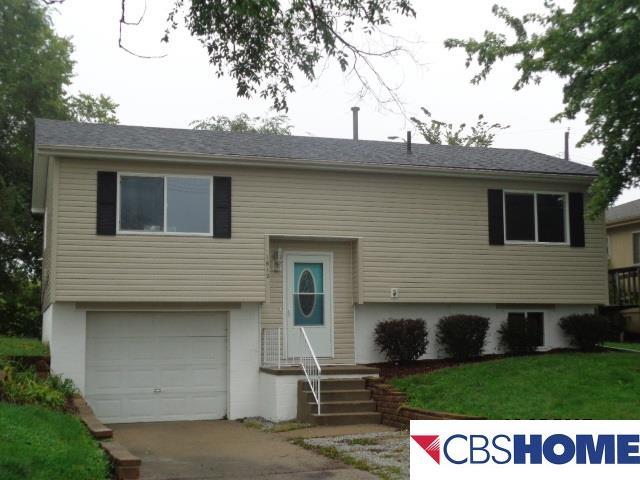 Detached Housing, Split Entry - Plattsmouth, NE (photo 1)