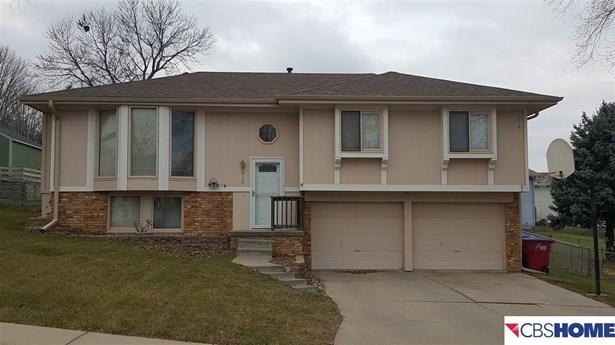 Detached Housing, Split Entry - Papillion, NE (photo 1)