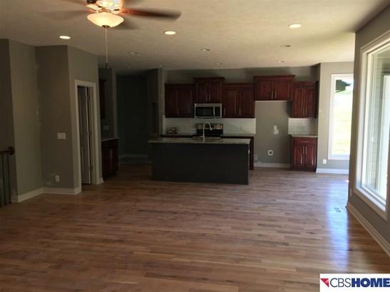 Detached Housing, Ranch - Bellevue, NE (photo 5)