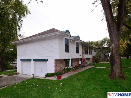 Detached Housing, Split Entry - Bellevue, NE (photo 3)