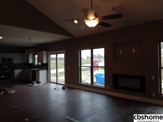 Detached Housing, Ranch - Plattsmouth, NE (photo 3)