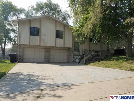 Detached Housing, Split Entry - La Vista, NE (photo 2)