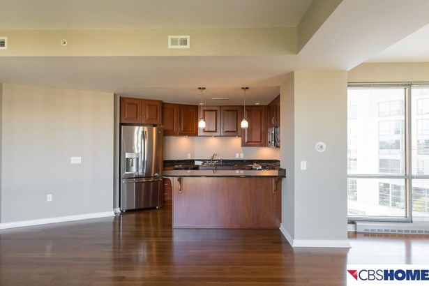 Attached Housing, Condo/Apartment Unit - Omaha, NE (photo 5)