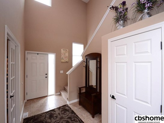 Detached Housing, 2 Story - La Vista, NE (photo 3)
