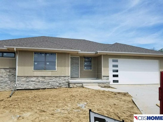 Detached Housing, Ranch - Bellevue, NE (photo 5)