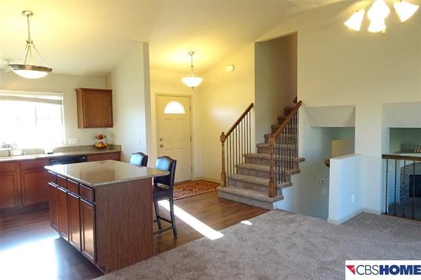 Detached Housing, Tri-Level - Omaha, NE (photo 4)