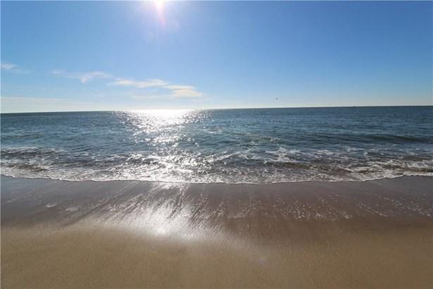 919 Matunuck Beach Rd, South Kingstown, RI - USA (photo 3)