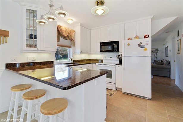 31 Montauk Av, Westerly, RI - USA (photo 4)